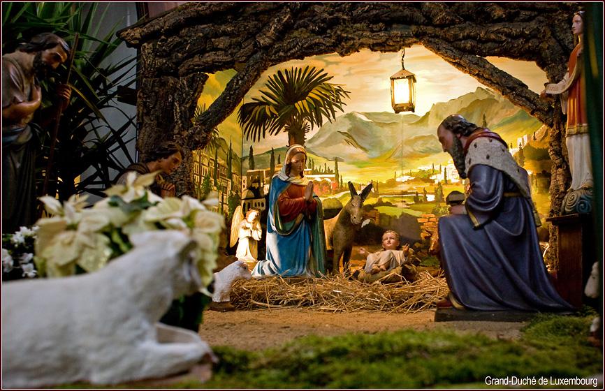 Рождественский вертеп в храм 189